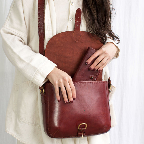 Leather Traveller Shoulder Bag - Red