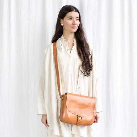 Leather Traveller Shoulder Bag - Tan