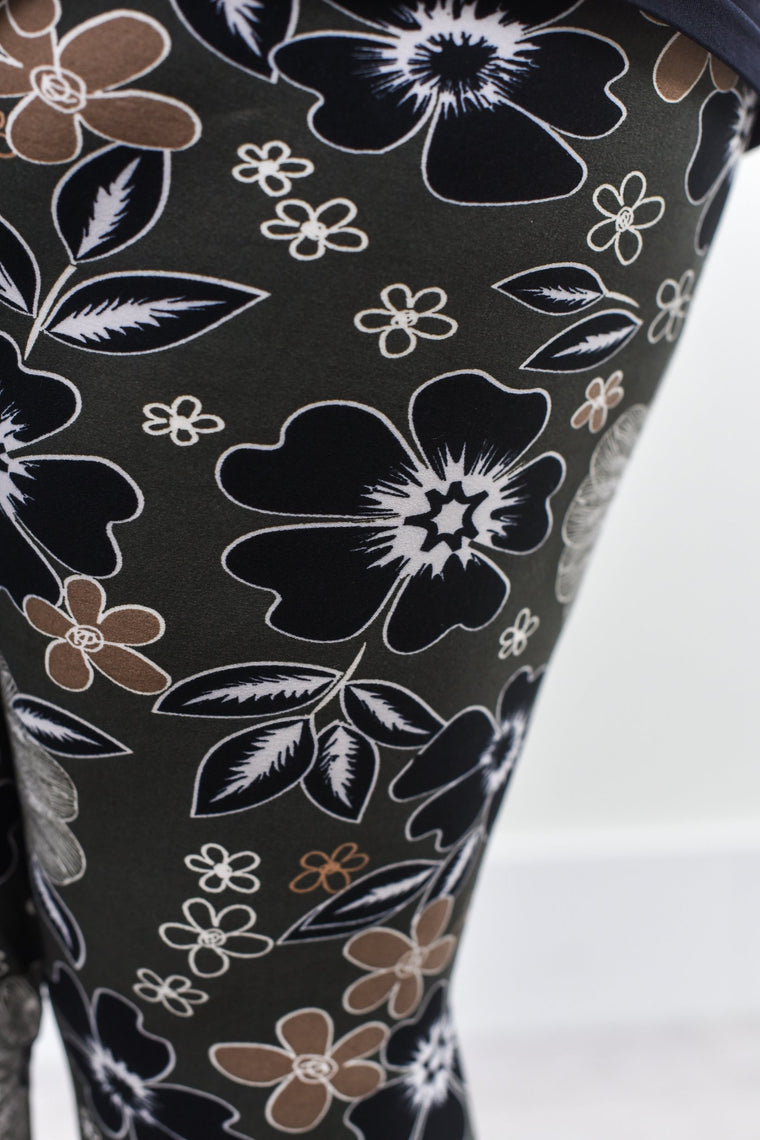 Black/Gray Floral Printed Leggings (Sizes 20-26) - LEG1443BK