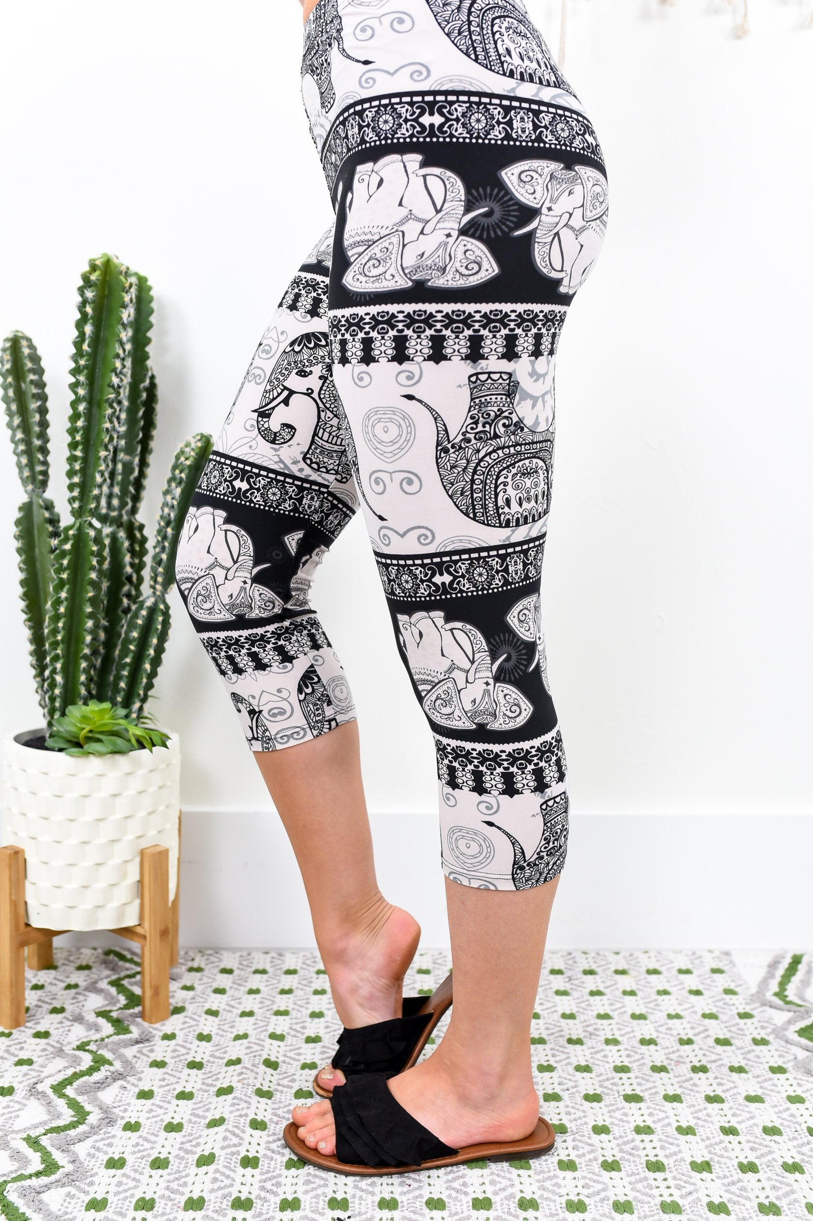 Black/Beige Elephant Capri Printed Leggings (Sizes 4-12) - LEG1805BK