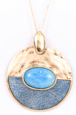 Blue Stone/Gold Hammered Round Pendant Necklace - NEK2609BL
