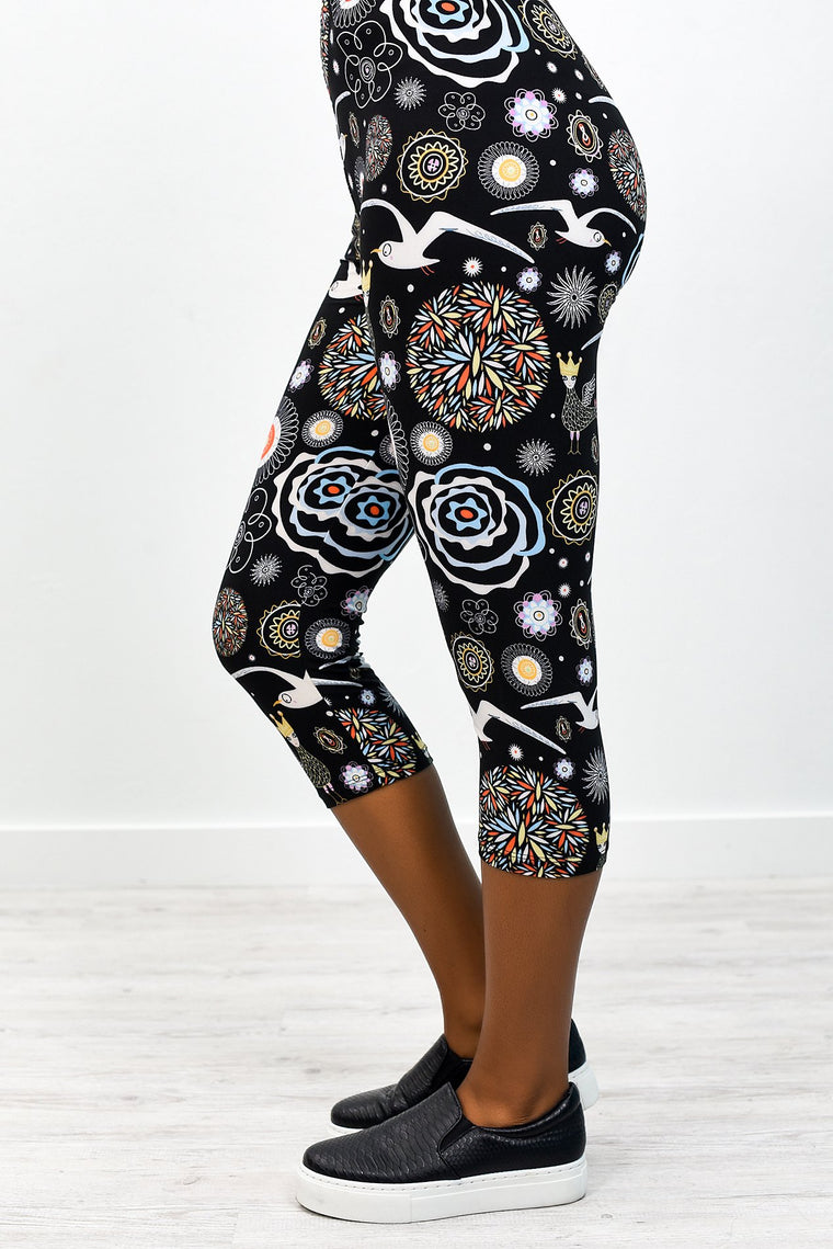 Black/Multi Color Fairy Tale Capri Printed Leggings (Sizes 4-12) - LEG2457BK