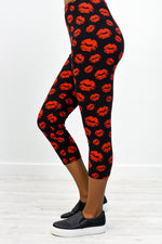 Black/Red Kiss Capri Printed Leggings (Sizes 4-12) - LEG2442BK