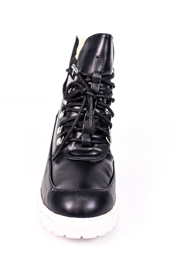 Up Against The World Black Boots - SHO1599BK