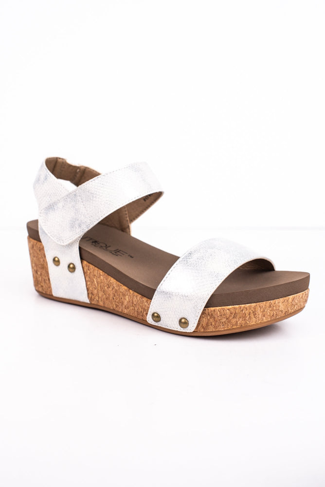 Can't Walk Away White Studded Wedges - SHO1689WH