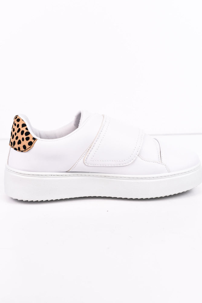 Known To Be Sassy White Sneakers - SHO1712WH