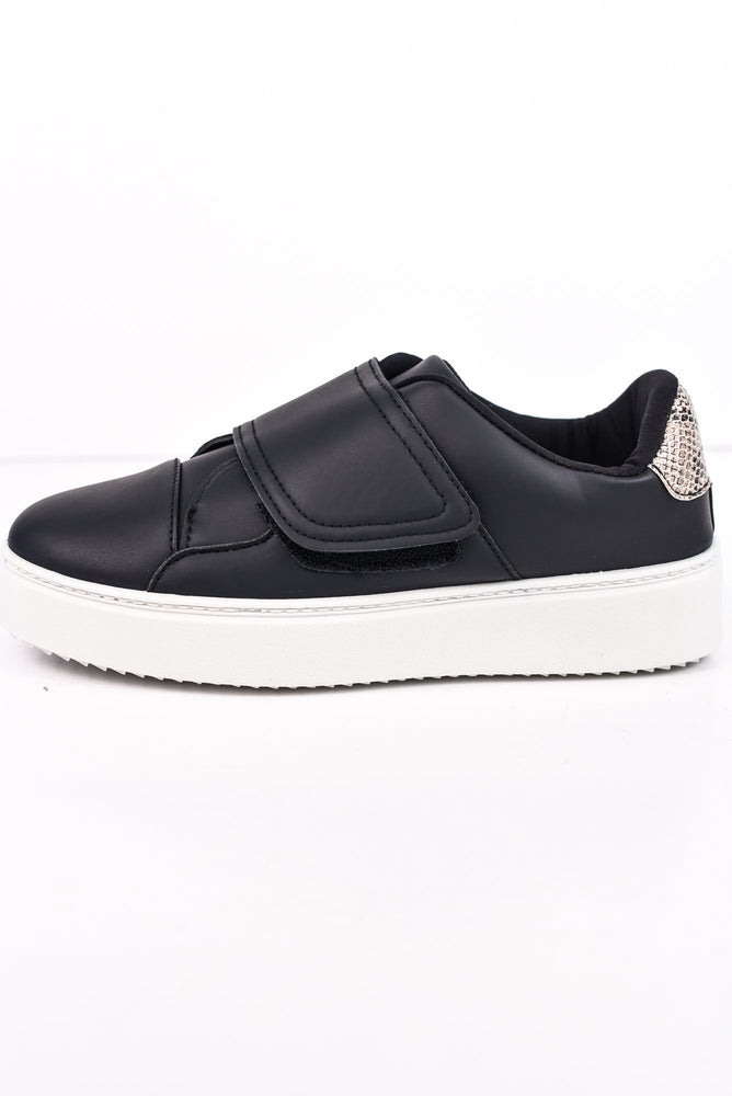 Known To Be Sassy Black Sneakers - SHO1711BK