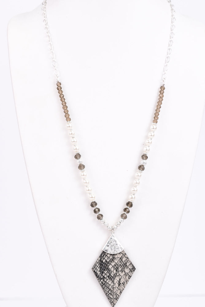 Silver Hammered/Gray Snakeskin/Pearl/Beaded Necklace - NEK3081SI
