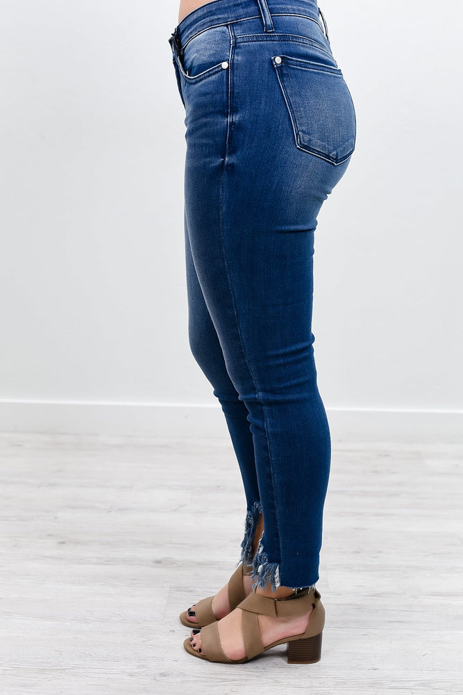 Living For This Medium Denim Frayed Jeans - K391DN