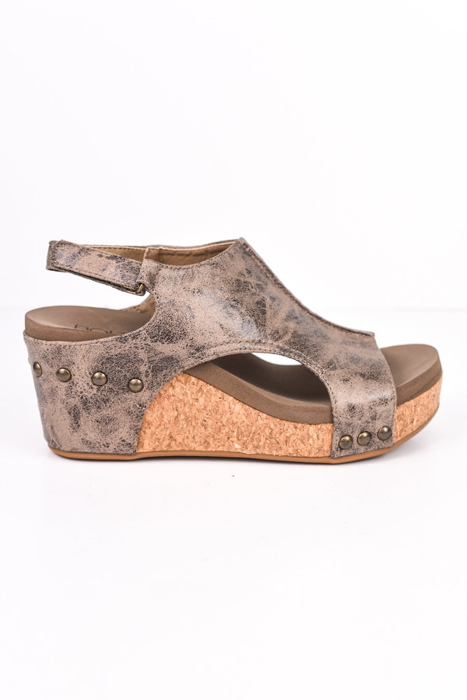 Feelings Run Deep Brown Distressed Wedges - SHO1749BR