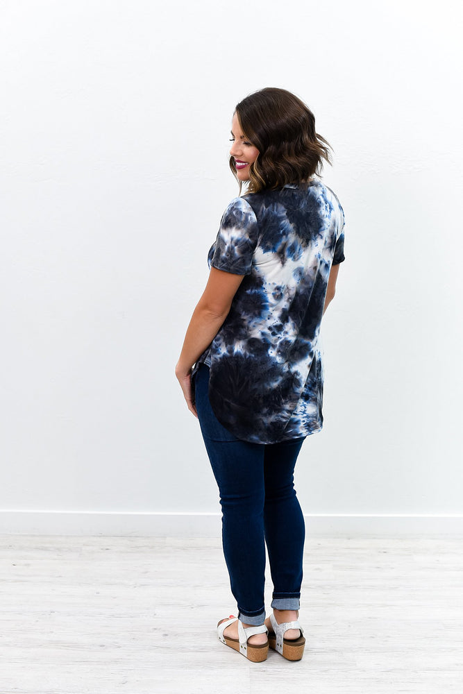 Electric Storms Vintage Navy Tie Dye V Neck Top - B8792VNV