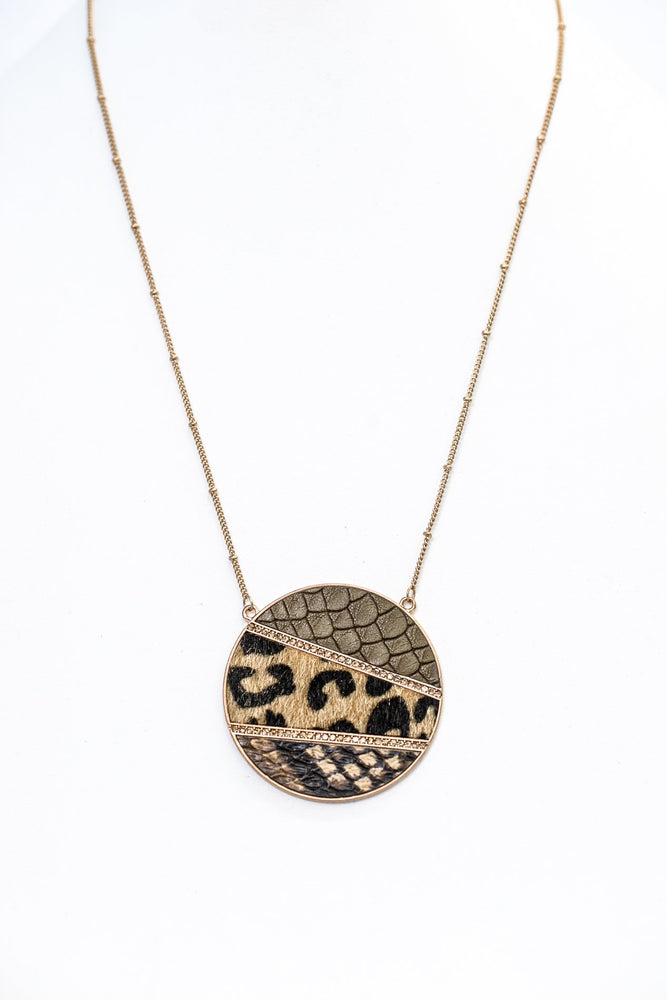 Gold/Snakeskin/Leopard Circle Pendant Necklace - NEK3644GO