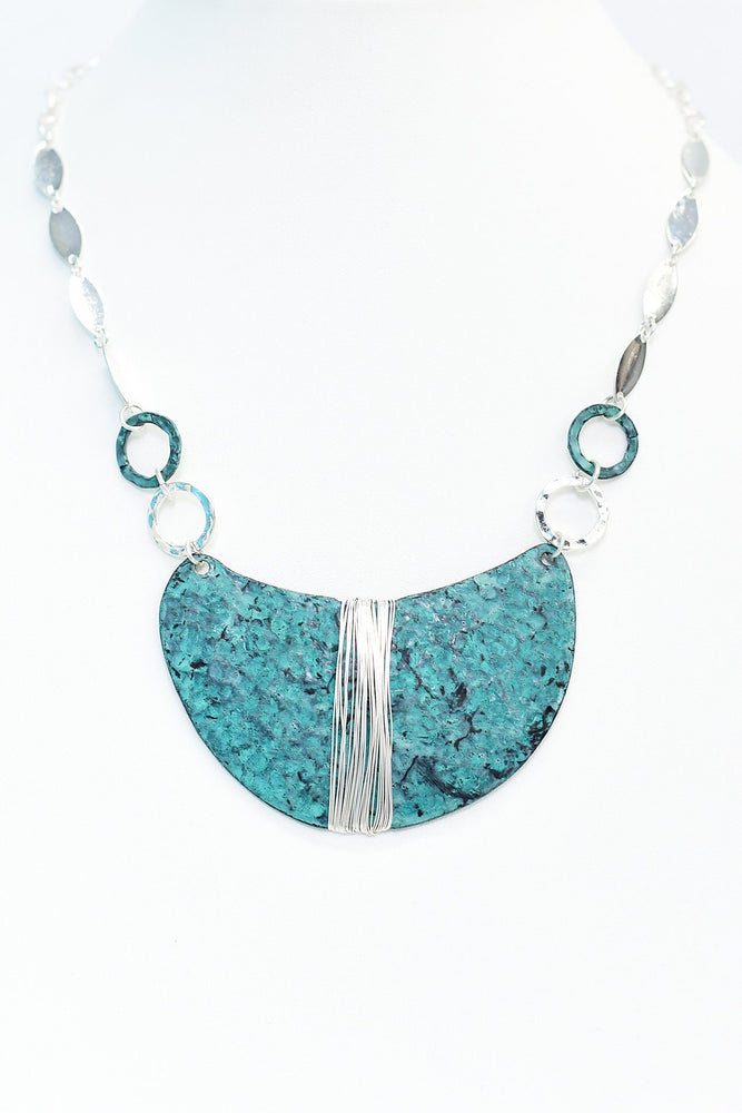 Patina/Silver Hammered Wire Wrapped Pendant Necklace - NEK3487SI