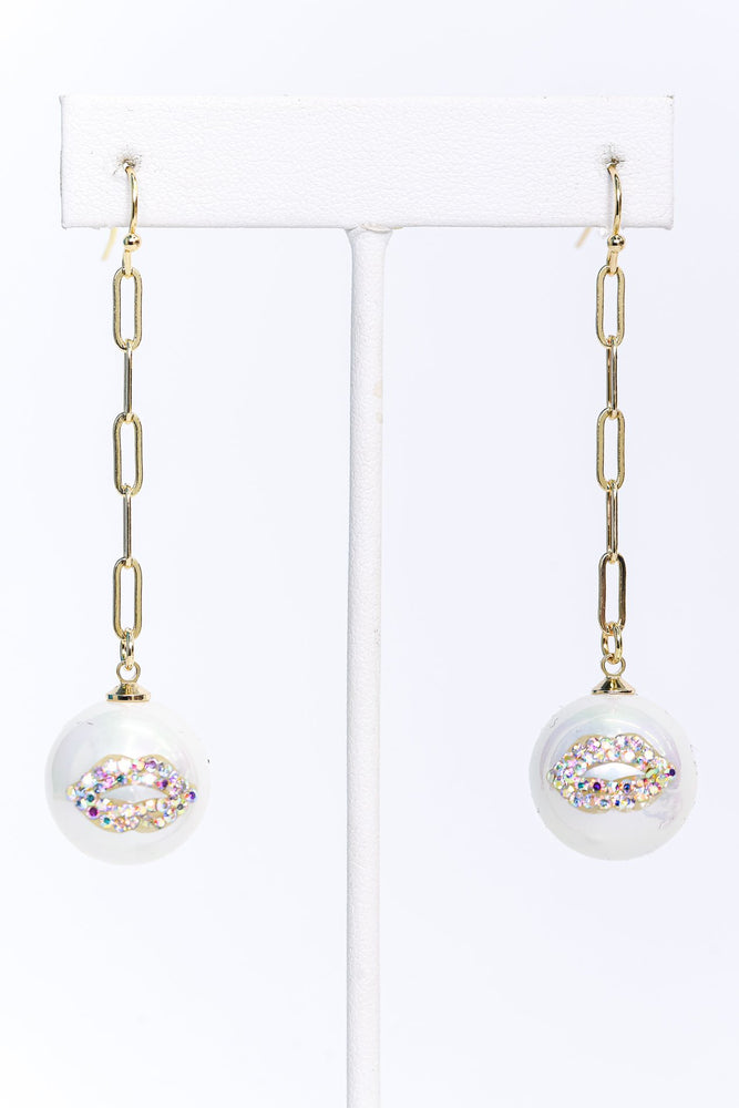 Gold/White/Chain Linked/Bling Lips/Pearl Drop Earrings - EAR3413WH