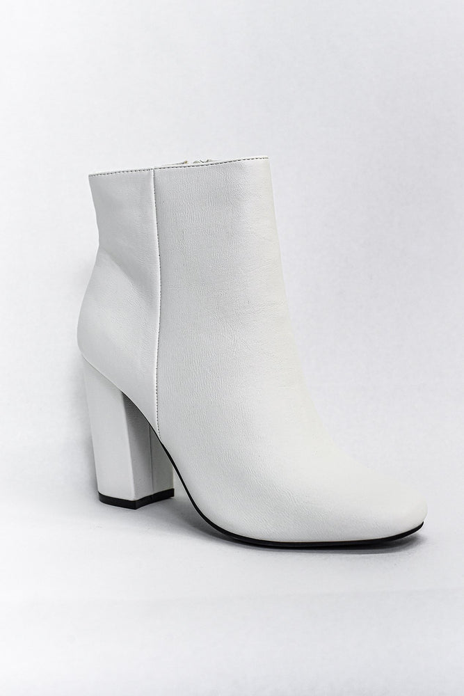 Step Out Of Your Comfort Zone White Booties - SHO1868WH