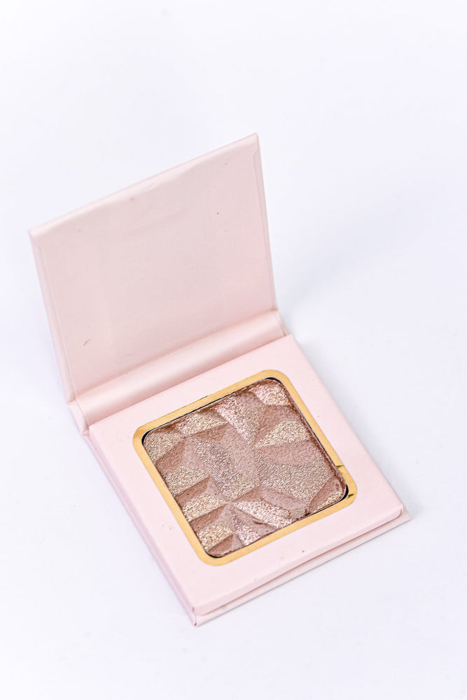 'Luminous' Pearl Pink Diamond Glow Highlighter 03 - LUX019