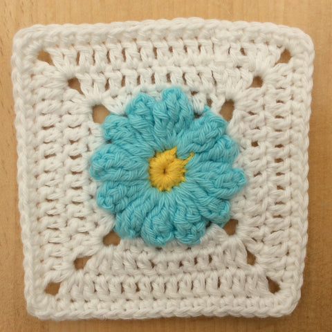 The Meadow Mystery CAL Clue 5 Daisy by Cotton Pod