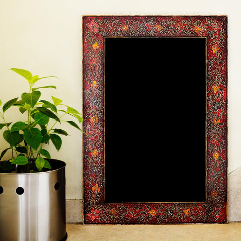 Embroidered Flower Frame (Red)