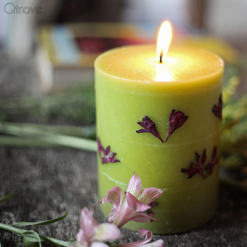 Lavender Scented Aromatic Candle