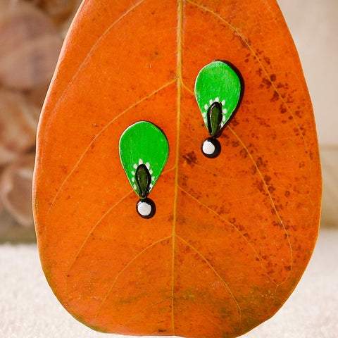 Eco-Friendly Parrot Green And Black Terracotta Stud
