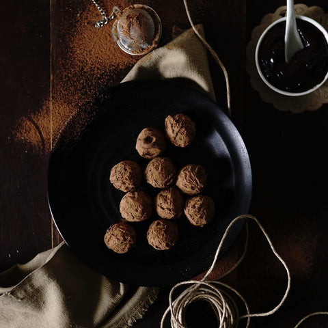 Dark & Dusted Truffle