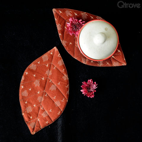Eco Home Brown And Red Ikat Leaves Placemats (Set of 2)