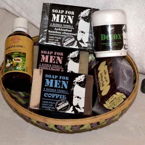 For Him Special Gift Hamper at Qtrove