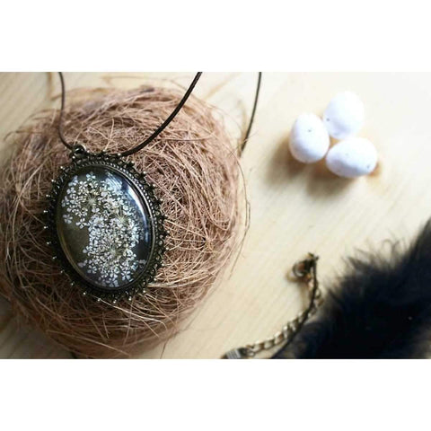 Frilly flower Victorian Locket