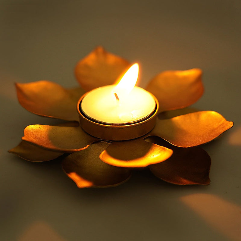 Handcrafted Lotus Design Candleholder (Small)