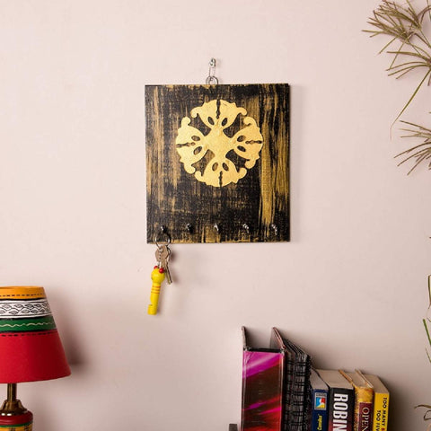 Kalaplanet Hand Painted Wooden Key Holder