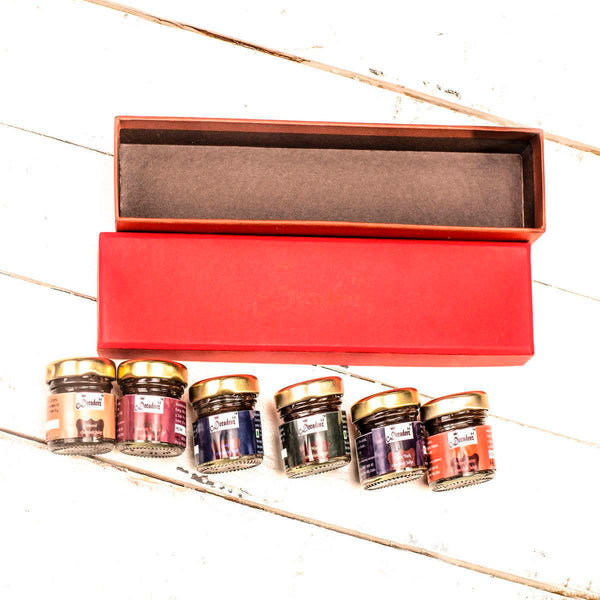 Shades of Love (Festive Gift Hamper - 6 Miniature Fudge Jars) at Qtrove