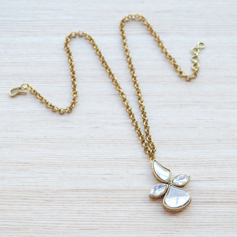 Simple Minimalist Kundan Pendant With Chain