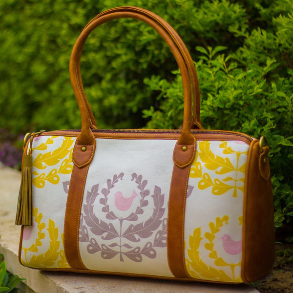 The Indian White Wreath Design Duffel Tote