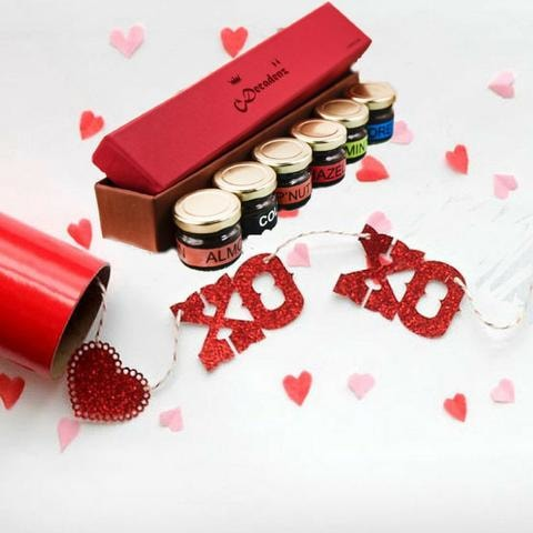 XoXo Box (Gifting Special Chocolate Fudge Miniature Jars)(Pack of 6) at Qtrove