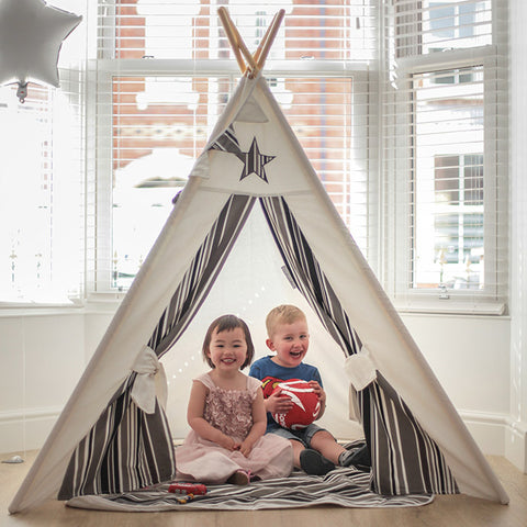 myweeteepee cosmo play den in bay window of victorian home