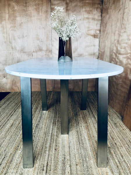 HAZON DINING TABLE