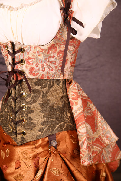 Cropped Cloak Vixens in Apricot Damask Paisley