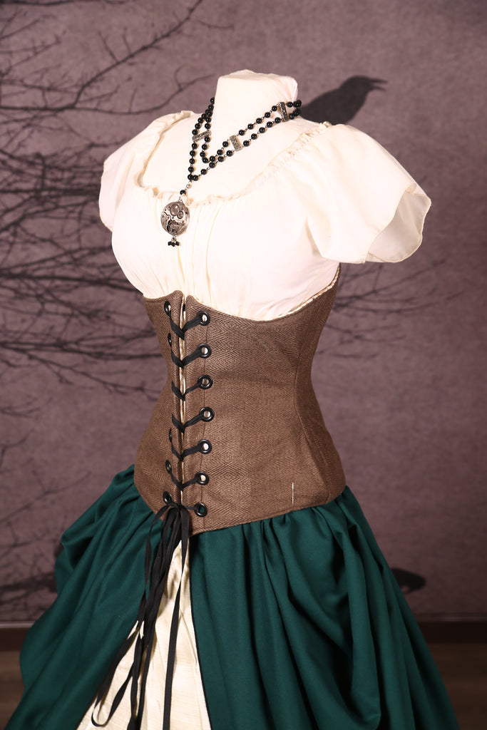 Wench Corset in Badlands Marsh