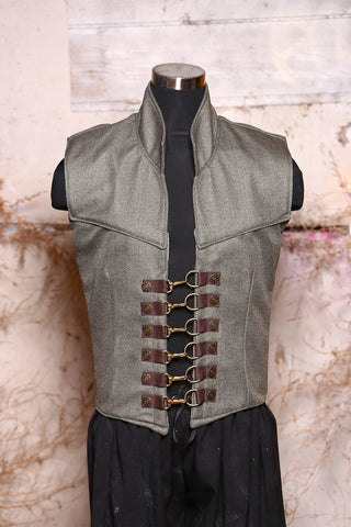 Men's Flynn Vest with Clasp Hardware in Douglas Fir