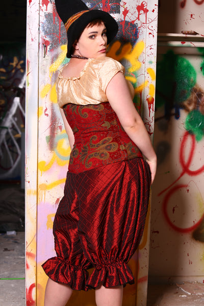 Wench Corset in Queenly Red