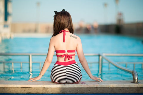 How to protect your skin from chlorine and swimming pool chemicals
