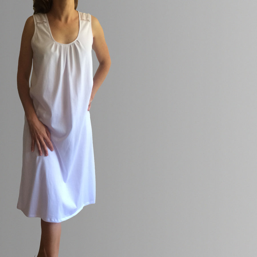 Womens organic cotton sleepwear Australia. Australian made womens cotton nightgown. Birthday gifts for her. Australian made organic cotton and lace nightgown. Womens plus size nighties Australia. Mothers day gifts.