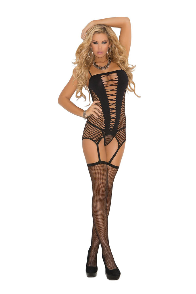 Seamless diamond net camisette, g-string and stockings.