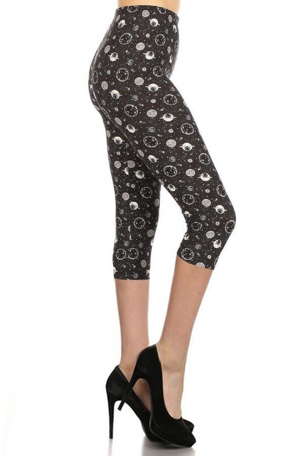 Juniors Space Print Capri Leggings - Tigbuls