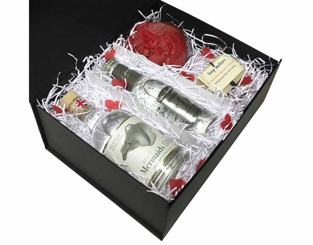 Gin gift set - Mermaids Spa Gift Set - with artisan soap and a balloon glass in a black presentation box