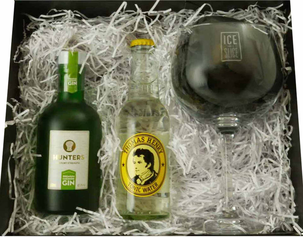 Hunters Gin and Tonic Set, 20cl Hunters gin, 200ml Thomas Henry Tonic Water and Balloon Glass displayed within a black magnetic gift box