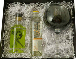 Sir Robin of Locksley Gin and Tonic set with 20cl bottle of Sir Robin of Locksely, 200ml 1724 tonic water and a balloon glass, displayed with a black magnetic gift box