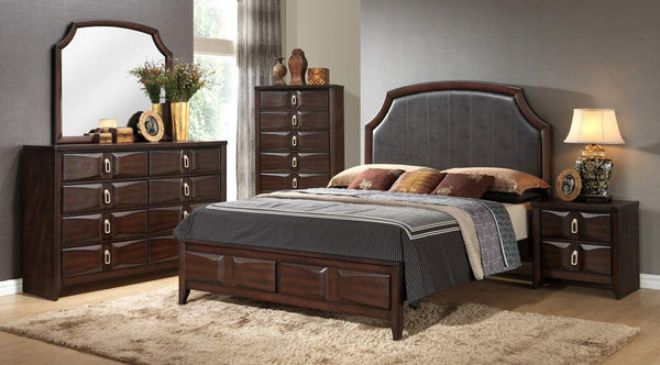 GTU Furniture Traditional Wooden Queen/King Bedroom Set