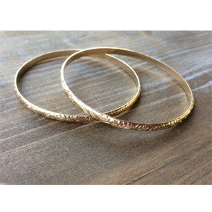 PATTERNED GOLD BANGLE
