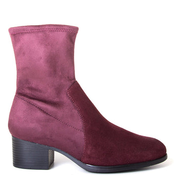 Bos & Co. Retain. Women's Merlot waterproofed ankle boot, suede and stretch material, 2-inch heel, Rubber sole. Side view.